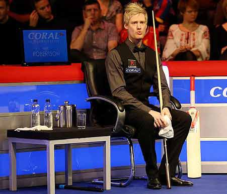 coral-uk-neil-re-phillip hughes cricket as a tribute in the Uk snooker 2014